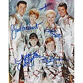 Lost in Space cast of 5