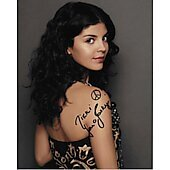 Nikki Yanofsky In Person Autographed 8x10 Singer