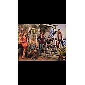 Reba McEntire Malibu Country cast of 6 Autographed 8x10 photo