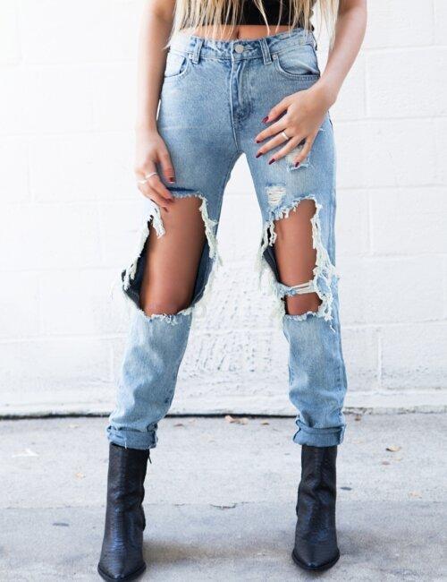 Carolina Distressed Jeans