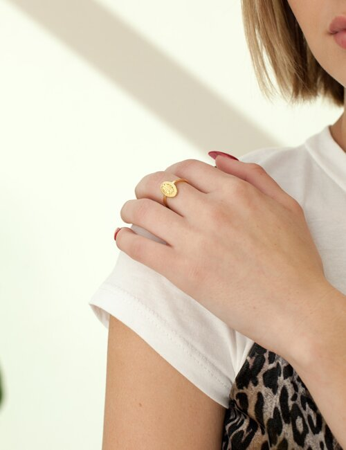 Simple Gold Medallion Ring