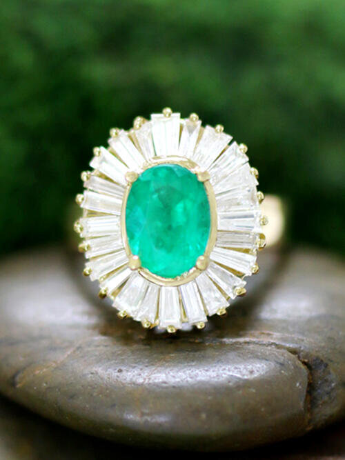 ONE-OF-A-KIND: Emerald and Baguette Diamond Halo Cocktail <Prong> Solid 14K Yellow Gold (14KY) Estate Ring