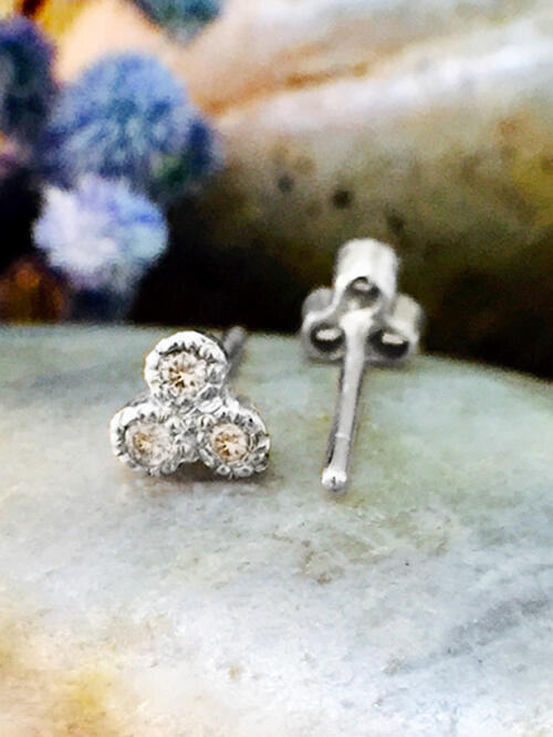 Champagne Diamond Petite Stud <Filigree Bezel> Solid 14K White Gold (14KW) Earrings