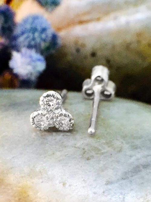 Diamond Petite Stud <Filigree Bezel> Solid 14K White Gold (14KW) Earrings