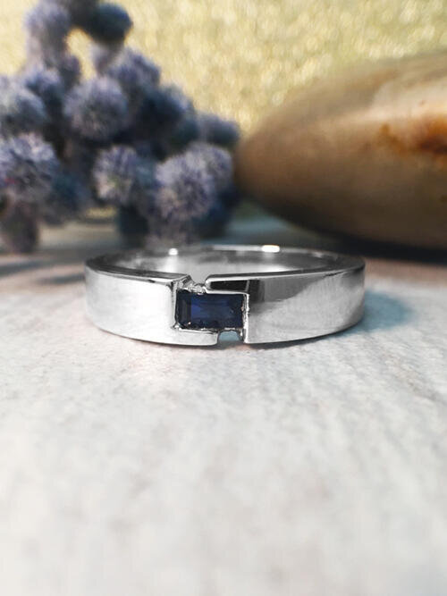 4-4.5MM Baguette Blue Sapphire Polished Wedding Band <Modified Bezel> Solid 14K White Gold (14KW) Men's Ring