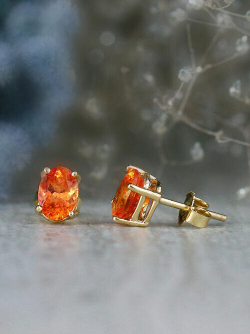 7x5MM Oval Mandarin Garnet Solid 14 Karat Stud Earrings