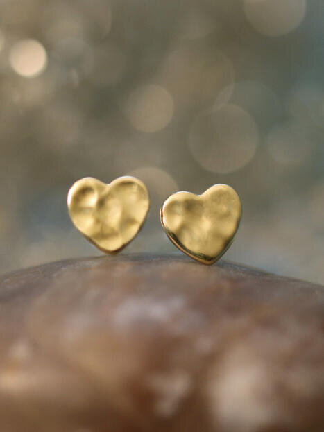 Hammered Heart 14 Karat Stud Earrings