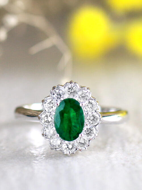 7x5MM Natural Emerald and Classic Diamond Halo Solid 14 Karat Gold Engagement Ring