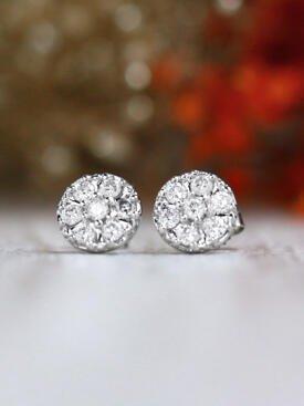 0.5CT Diamond Cluster Solid 14 Karat Stud Earrings