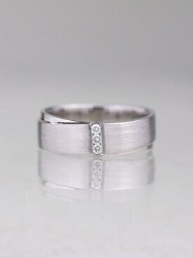 Diamond Bar Men's Wedding Band