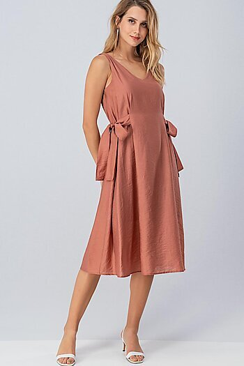 aeae7aa34ad13 Wholesale Dresses | Trendy Wholesale Women's Dresses | trend:notes